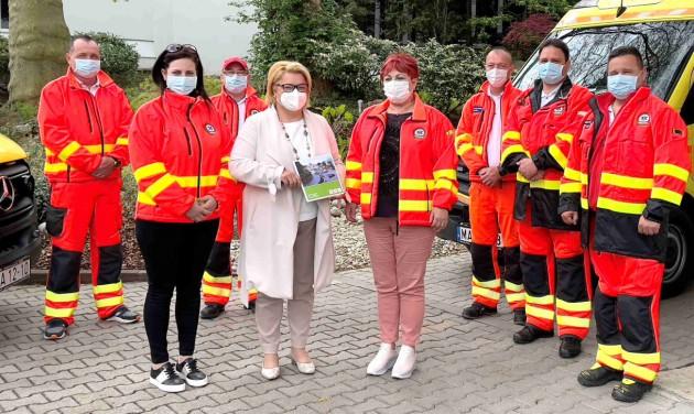 Szállásutalvánnyal köszönték meg a Zala megyei mentősök munkáját