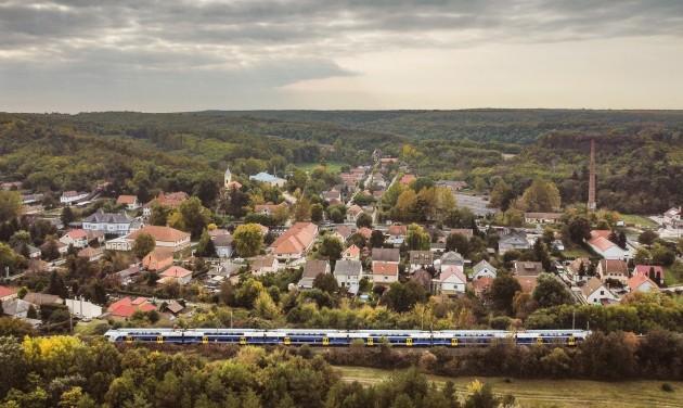 Emeletes vonattal utazhatunk Szolnok felé is