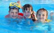 Nehéz helyzetben lévő egyszülős és nagycsaládokat nyaraltat a Mészáros Csoport