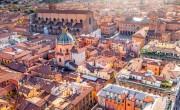 Észak-Olaszországban városokat zárnak le, délen nyitnak a mozik, színházak
