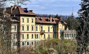 Gov't to sell 160-room Siófok hotel, historic 44-room mansion