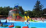 Mini aquapark egy csomagban: így nyithat gyermekélményfürdőt