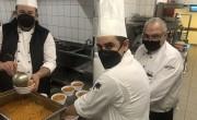 A HotelHero 300 adag ételt főzött Budapesten a rászorulóknak