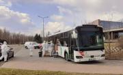 Szűrőbusz üzemel az Aquaworld parkolójában