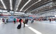 Ismét szigorúbban ellenőrzik az érkezőket a prágai repülőtéren