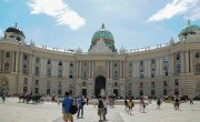 Ausztria júniusig fenntartja a beutazási korlátozásokat