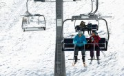 Tiltakoznak az osztrák sífelvonók üzemeltetői az arcmaszk ellen
