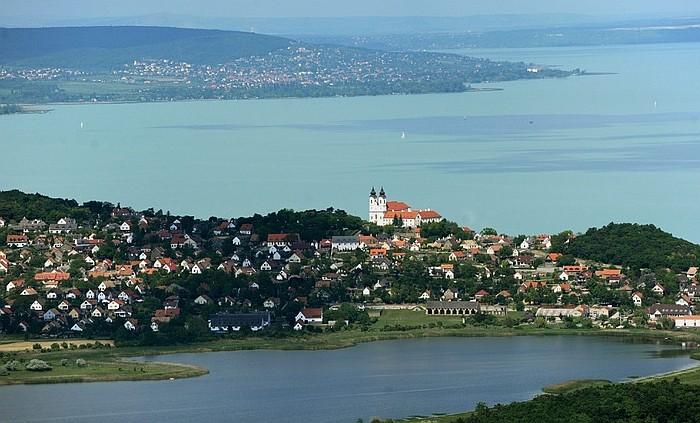 A Balaton továbbra is nyitva tart