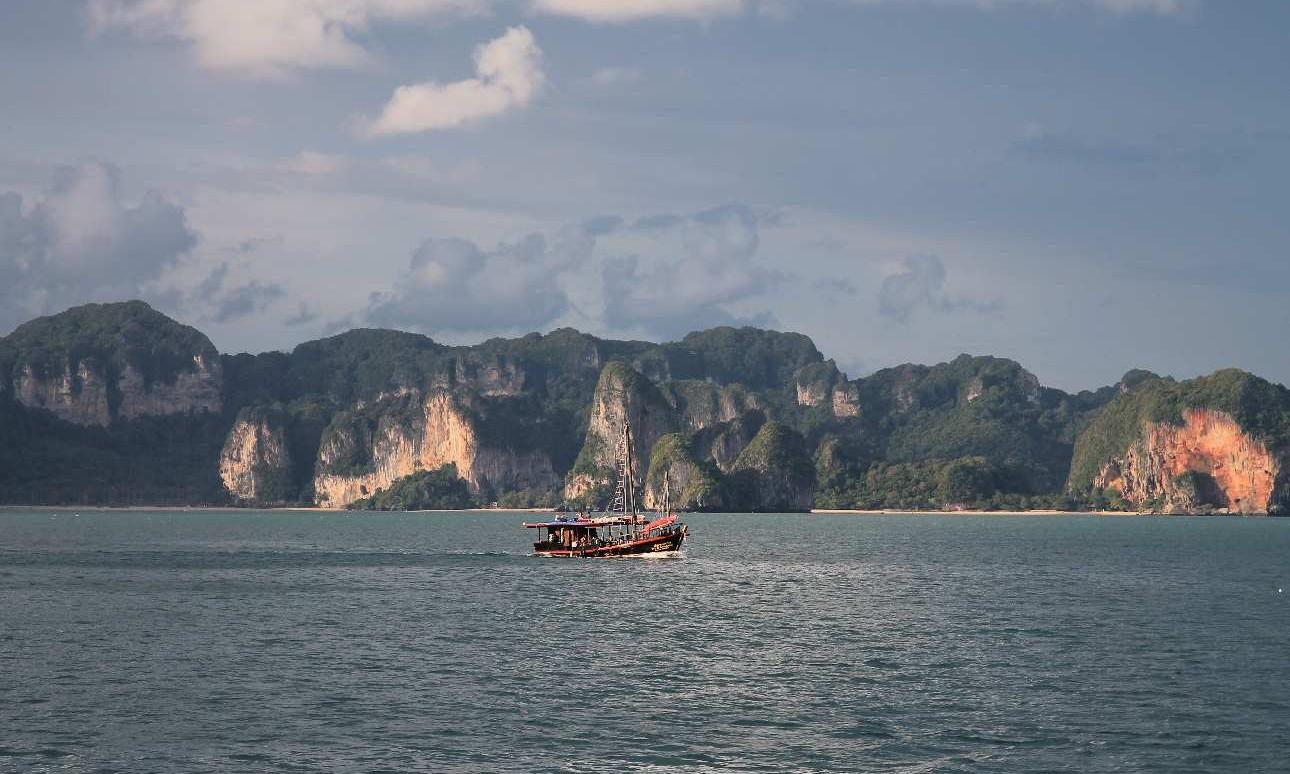 Mészkőszirtek és köderdők – Thaiföld két arca