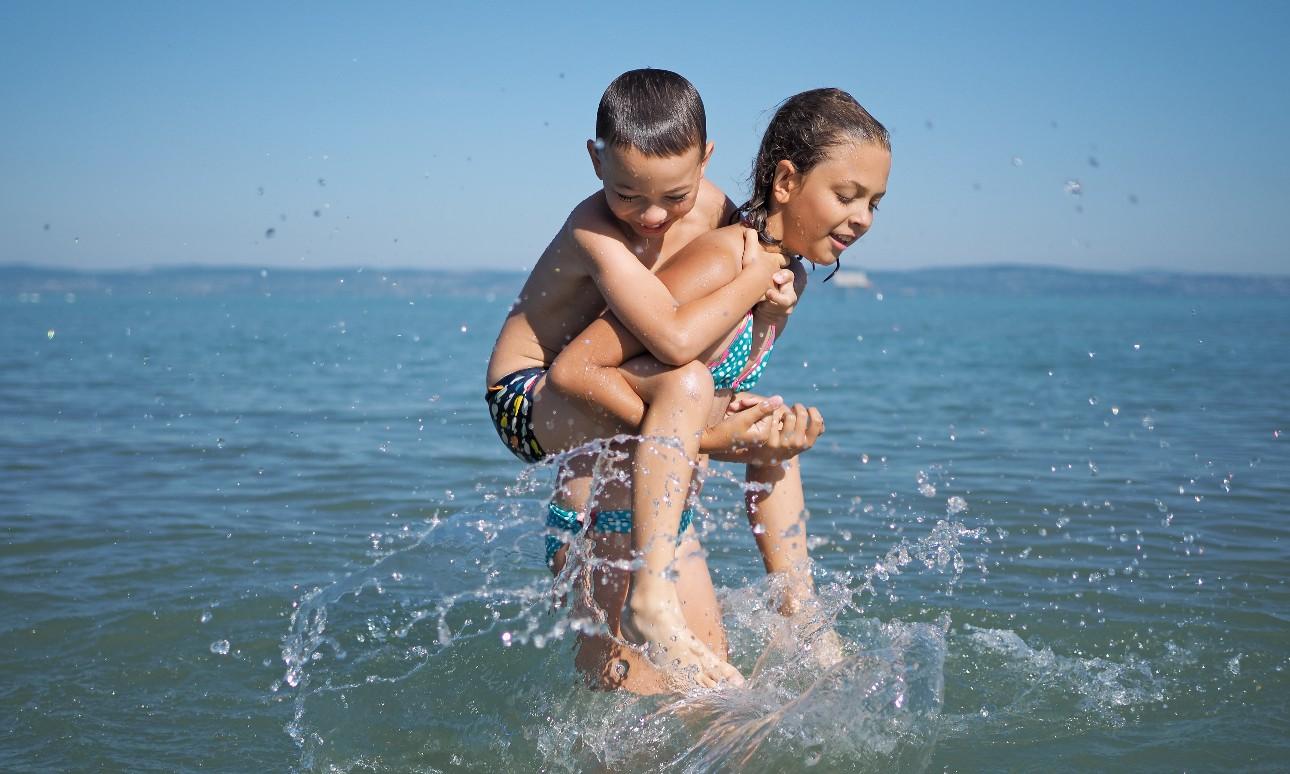 Közel másfélmillió vendégéjszakát regisztráltak júliusban a Balatonnál