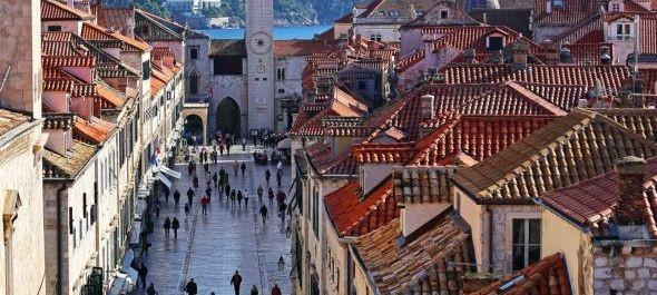 Korlátozzák a turisták számát Dubrovnik óvárosában