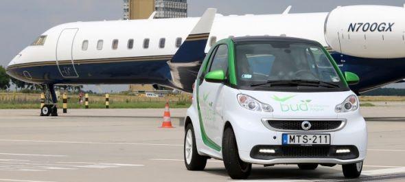 Elektromos jármű teljesít szolgálatot a reptéren