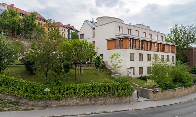 Szállodai recepciós, Budapest, I. kerület