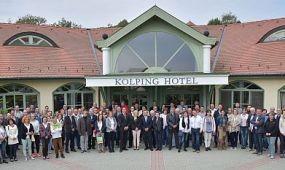 Felnőttek a trambulinon – ünnepelt a Kolping