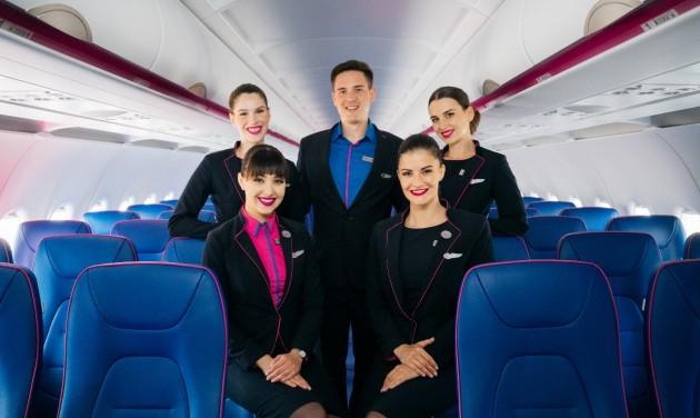 Nyolcszáz új légiutaskísérőt vesz fel még idén a Wizz Air