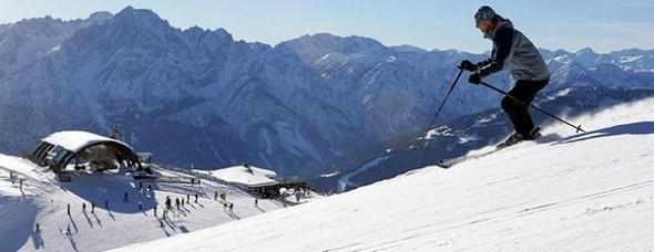 Tirolban a hét végéig lavinaveszéllyel kell számolni