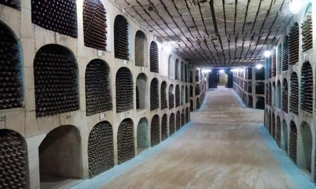 Kétmilliónyi üveg bor vár kóstolásra