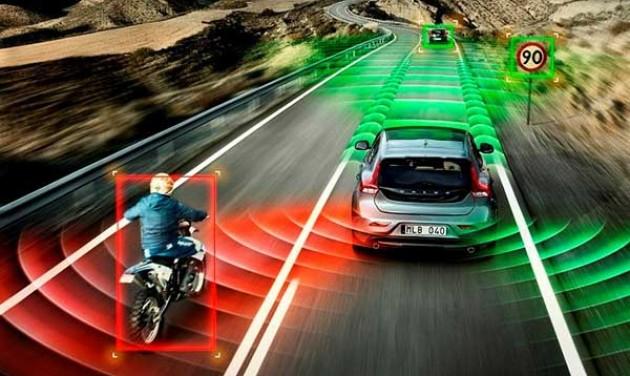 Kaliforniában rajtra készek a vezető nélküli autók