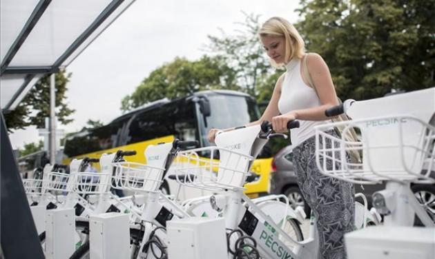 Elektromos biciklihálózatot avattak Pécsen