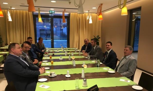 Igazgatók reggeliztek Szegeden