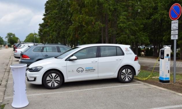 Ingyenesen tölthető az elektromos autó Bükfürdőn