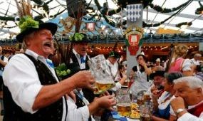 Szigorú biztonsági előírásokat vezetnek be a müncheni Oktoberfesten