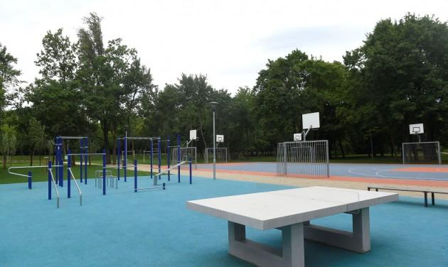Sportparkot adtak át a Hajógyári-szigeten
