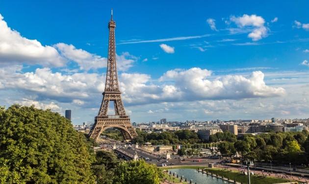 Szombaton egész Franciaországot lezárják egy hónapra