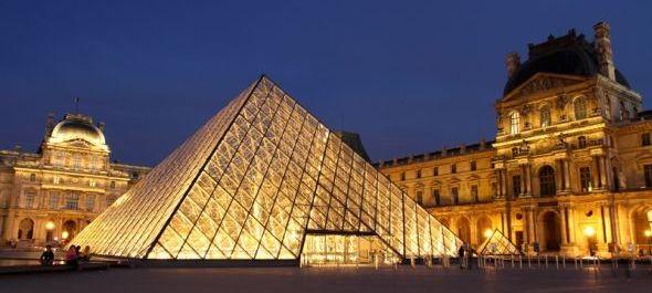 Egymillió külföldi turista hiányzik Párizsból