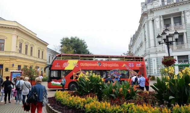 Hop-on hop-off városnéző busz Nyíregyházán