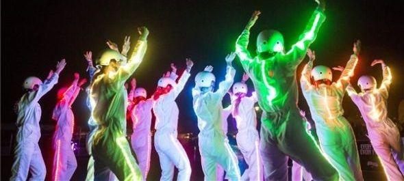 Robotok táncolnak esténként a Szigeten