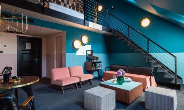 Front Office Desk, többféle pozíció, Stories Hotel Budapest