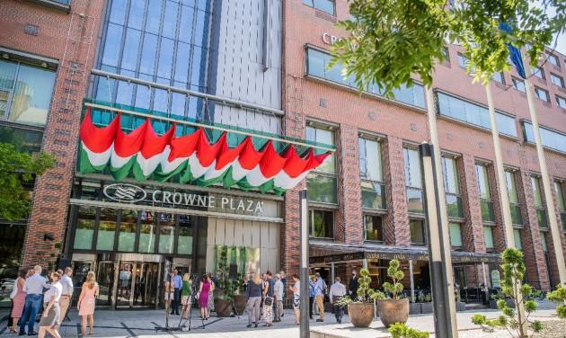 Megérkezett a Crowne Plaza Budapestre