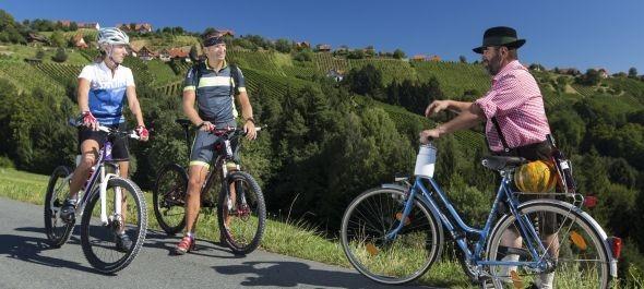 Új bakancsos és kerékpáros túraútvonalak Stájerországban