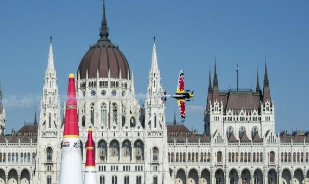 Sport és zenei programok a Red Bull Air Race-en