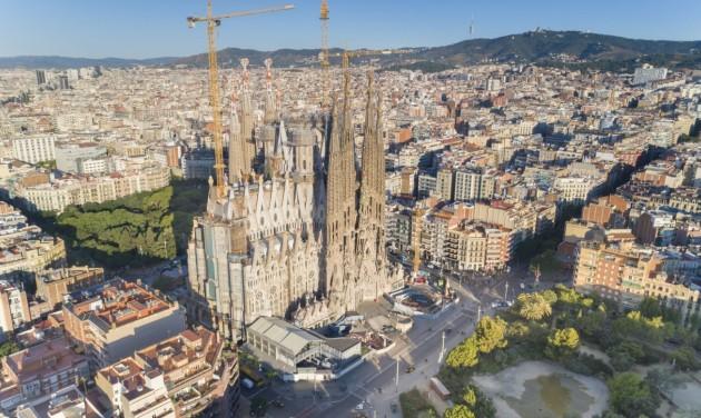 A járvány miatt 2026-ra sem készül el a Sagrada Família