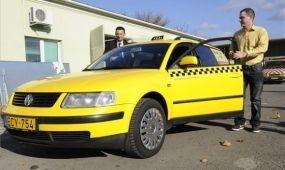 Sárga taxik közlekednek Hódmezővásárhelyen is