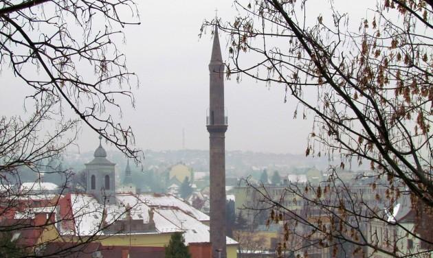 Megnyitották a felújított egri minaretet