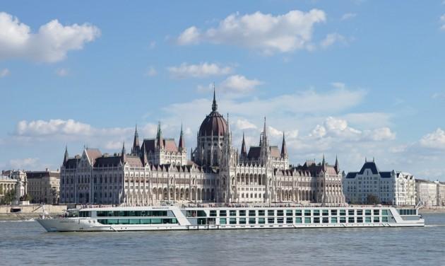 Visszatértek a szállodahajók Magyarországra