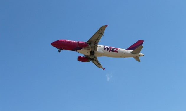 A repülőjegyárak kis mértékű emelkedésére számít a Wizz Air