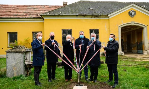 Folytatódik a fehérvárcsurgói Károlyi-kastély turisztikai fejlesztése