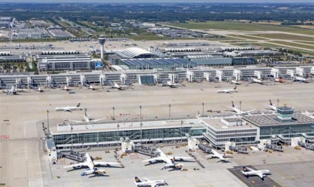 Forgalmas év áll a müncheni reptér mögött