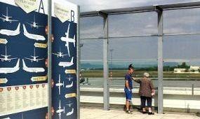 Múltidézés fotókkal és adatokkal a megújult reptéri kilátóteraszon