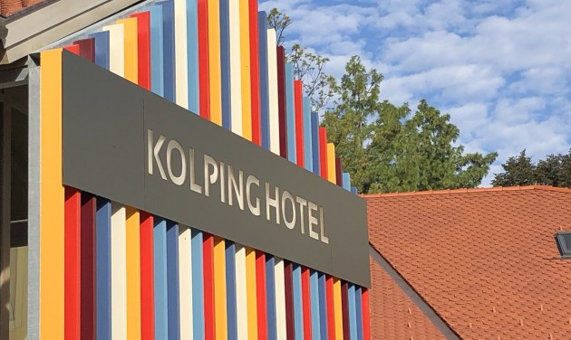 Egy teljes pénzügyi osztályt (is) keres az alsópáhoki Kolping Hotel