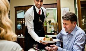 Németországban elégedettebbek a vendéglátósok, de kevés a szakember
