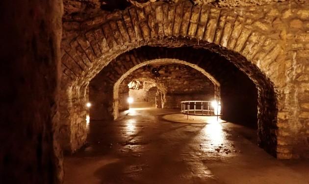 Újdonság: vezetett séta a Vár alatti barlangrendszerben