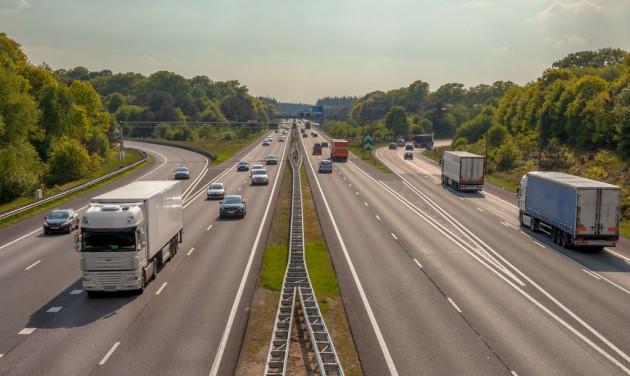 Elkezdődött a romániai Kárpátokon át tervezett első autópálya építése