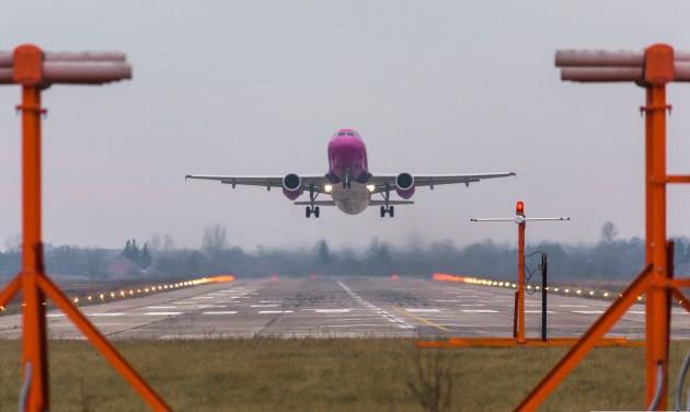 Kevesebb járat ellenére több utas a Debrecen Airporton
