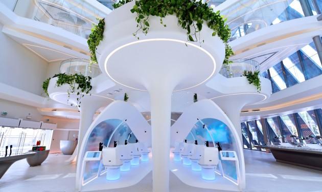 Futurisztikus élmények a dubaji világkiállítás Emirates Pavilonjában