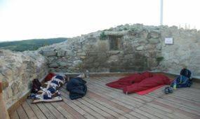 Hálózsákos éjszaka a Siroki várban
